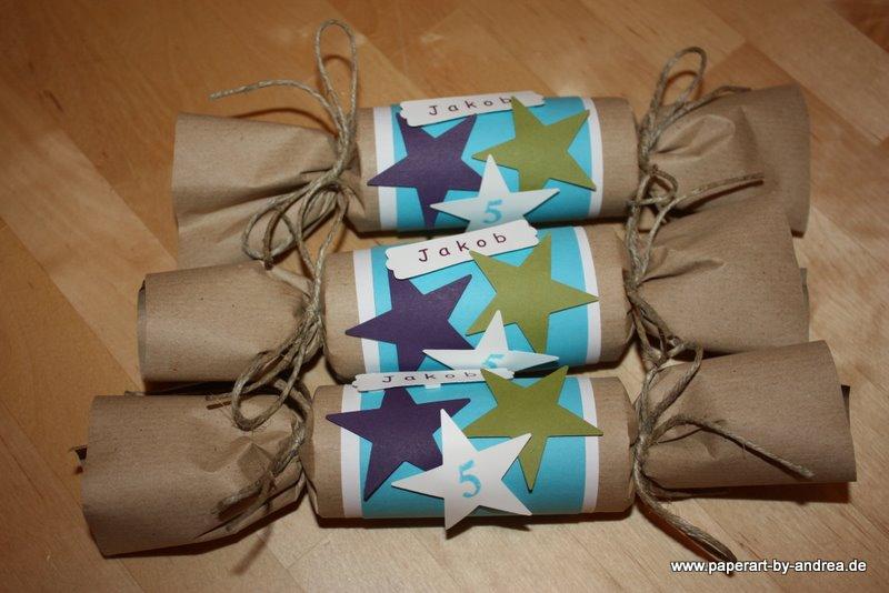Papiere: Cardstock Stampin Up U2013 Flüsterweiß, Olivgrün, Aubergine, Türkis;  Packpapier. Bänder: Packschnur. Stanze: Stern U0026 Modernes Label V. Stampin Up